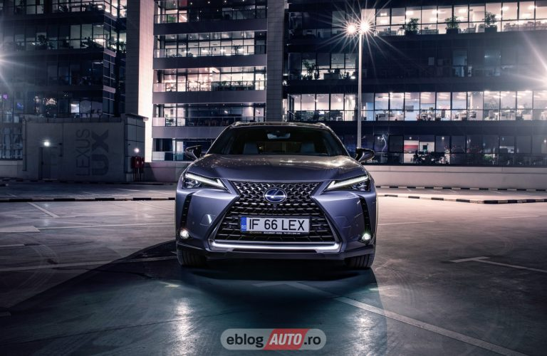 Test Drive Lexus UX 250h Hybrid E-Four 2019 [VIDEO]