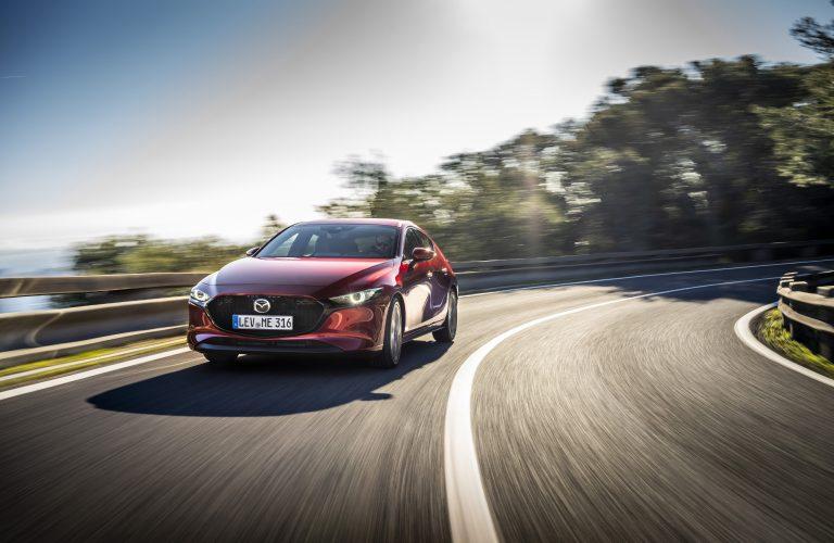 Noua Mazda 3 cu motorul Skyactiv-X a ajuns în România