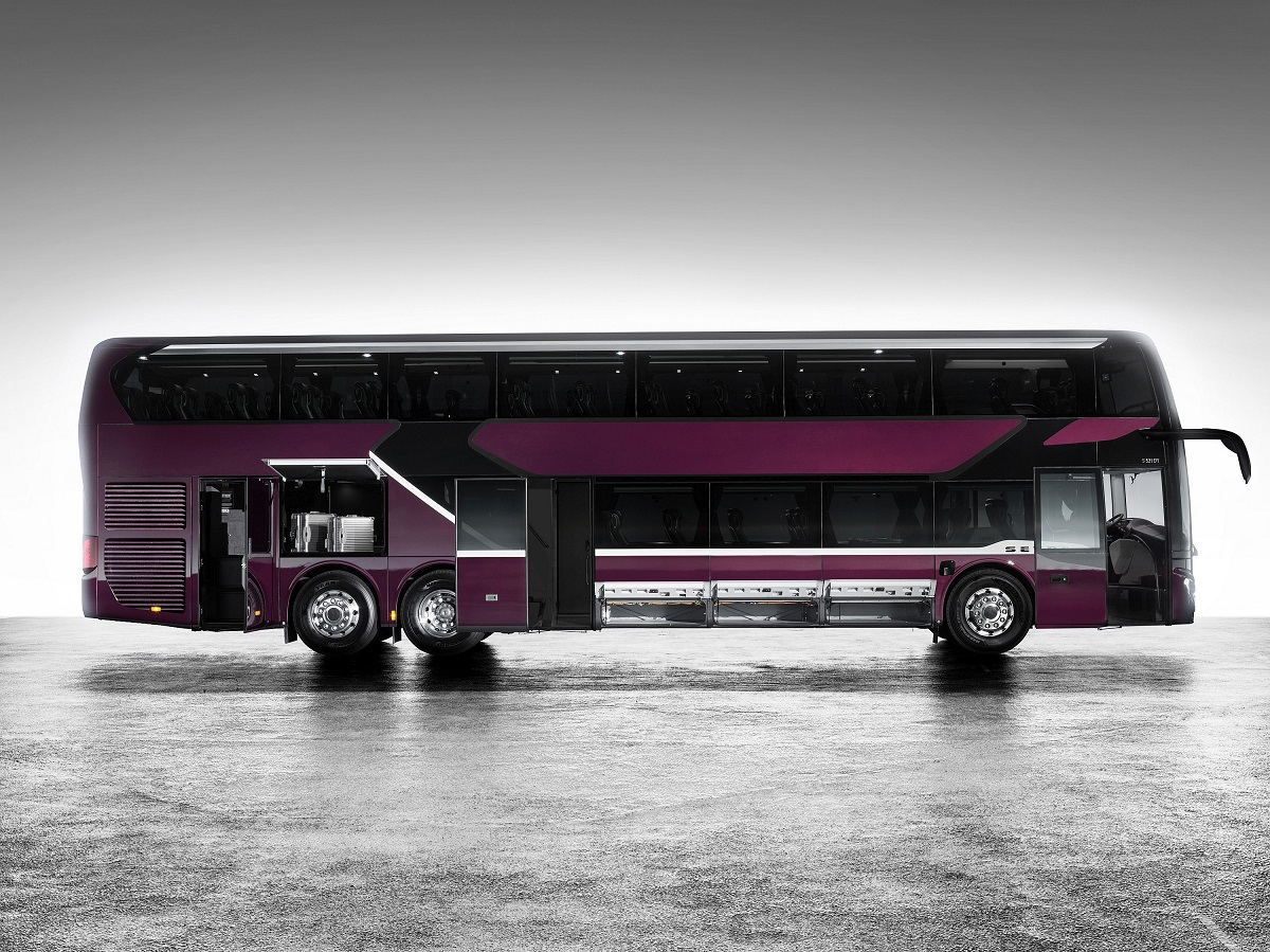 Premiera – noul autocar etajat Setra S 531 DT