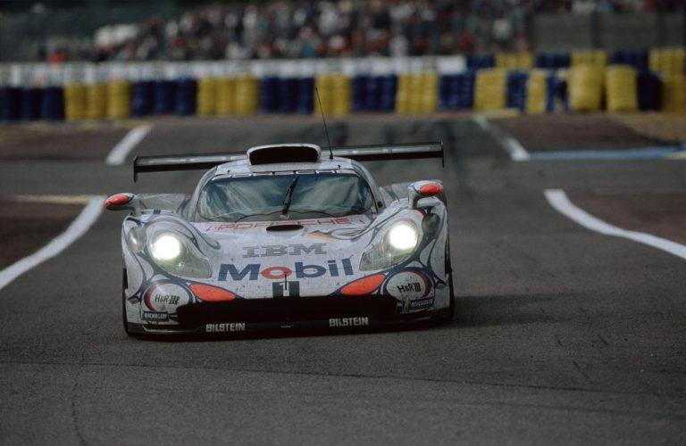 Porsche aniversează 50 de ani de la prima sa victorie la general din Le Mans.