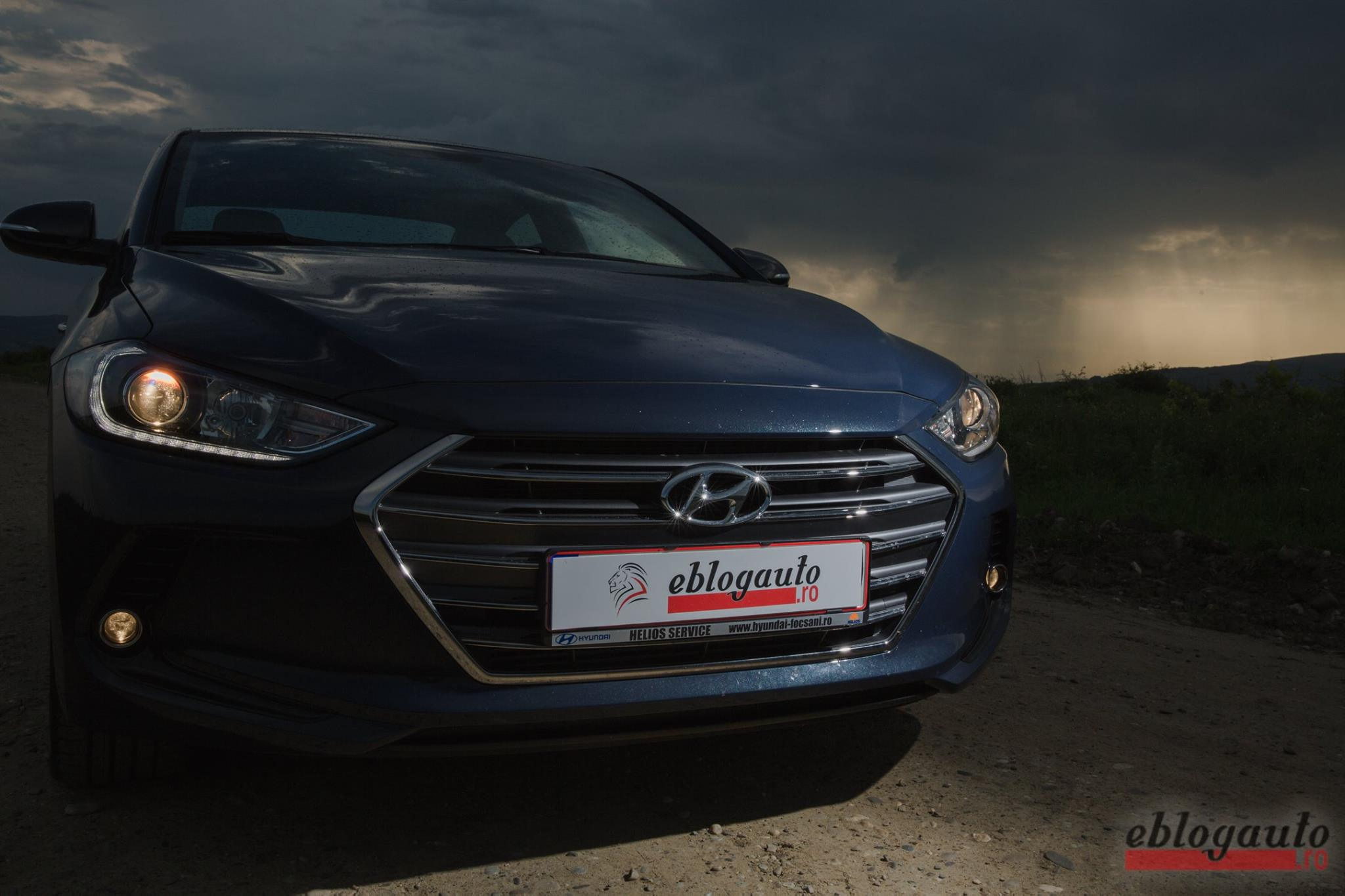 Test Drive Hyundai Elantra 2012: Space! The Last Frontier!