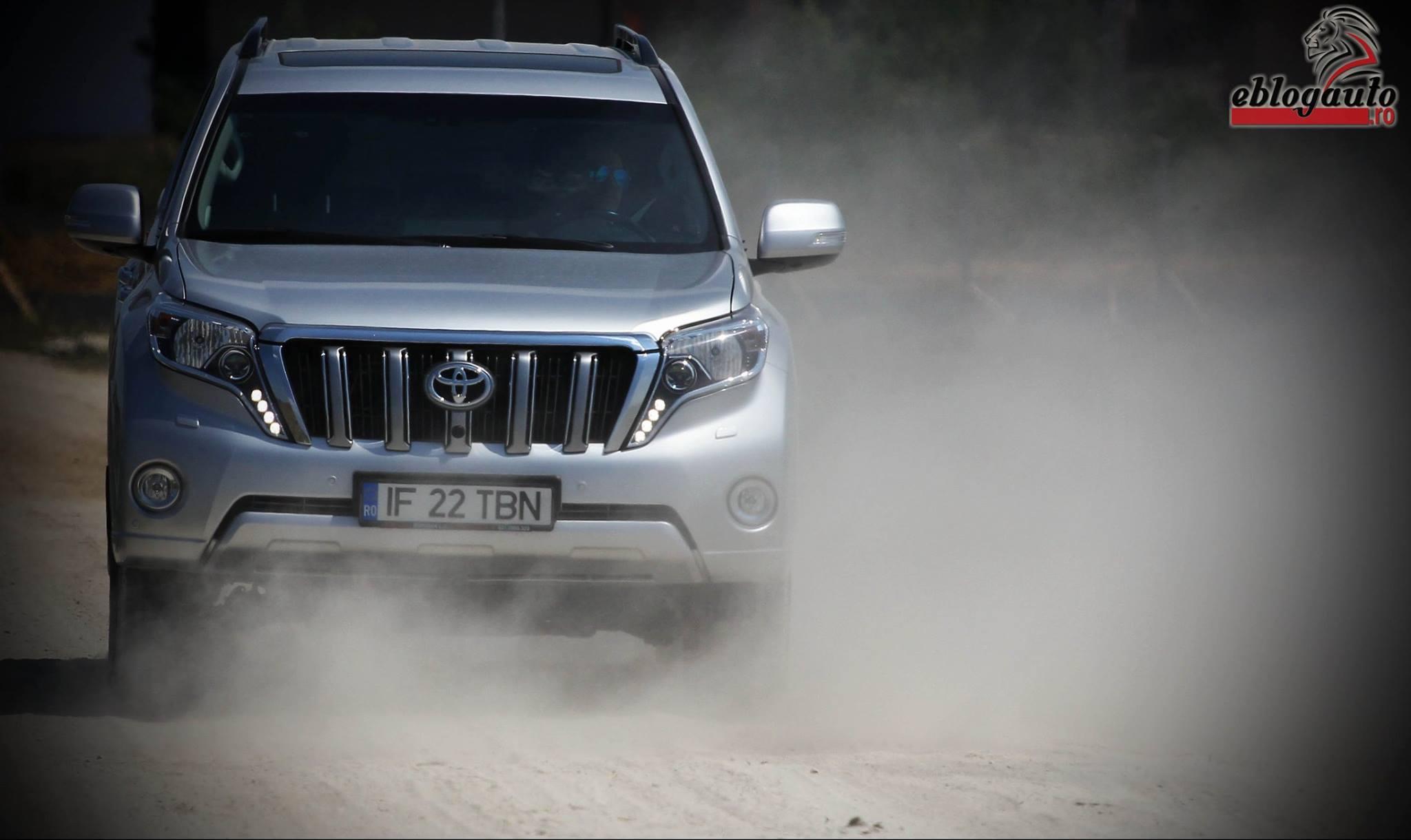 Test Drive Toyota Land Cruiser 2015