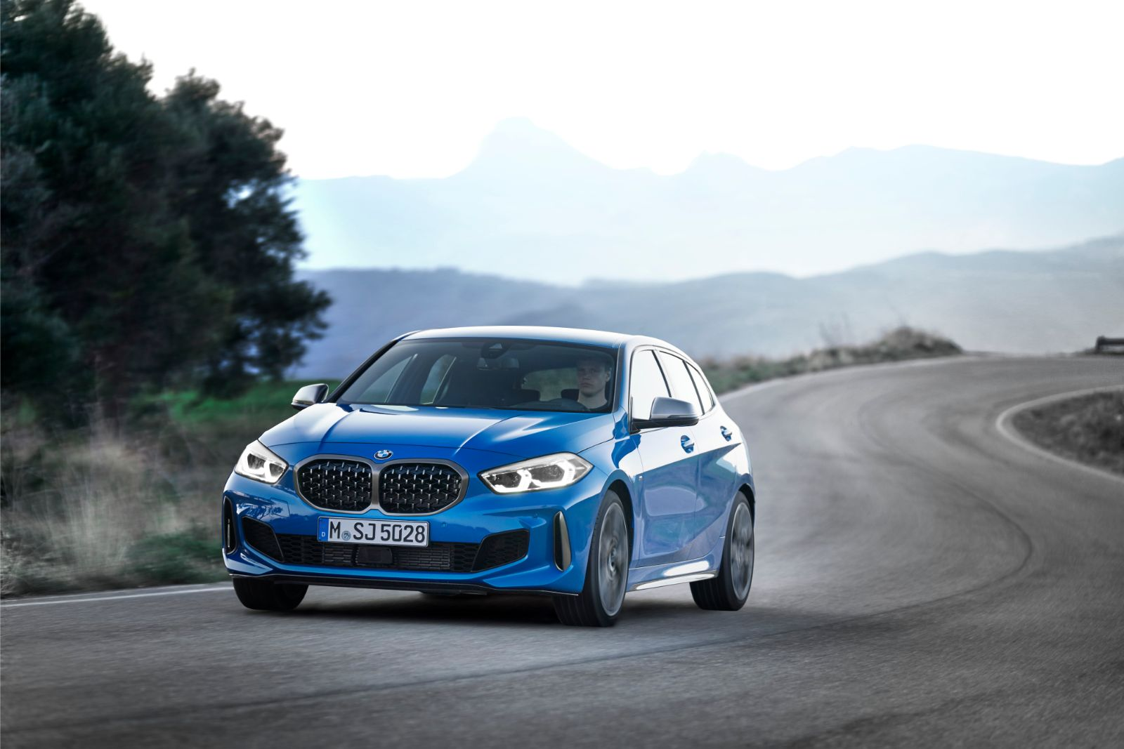 BMW Seria 1, o nouă generație. Primele informații oficiale