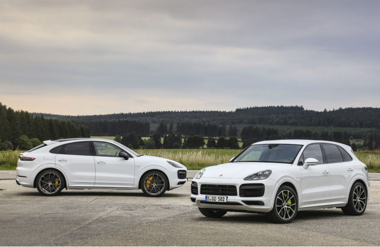 Versiuni hybrid pentru Porsche Cayenne Turbo și Coupe