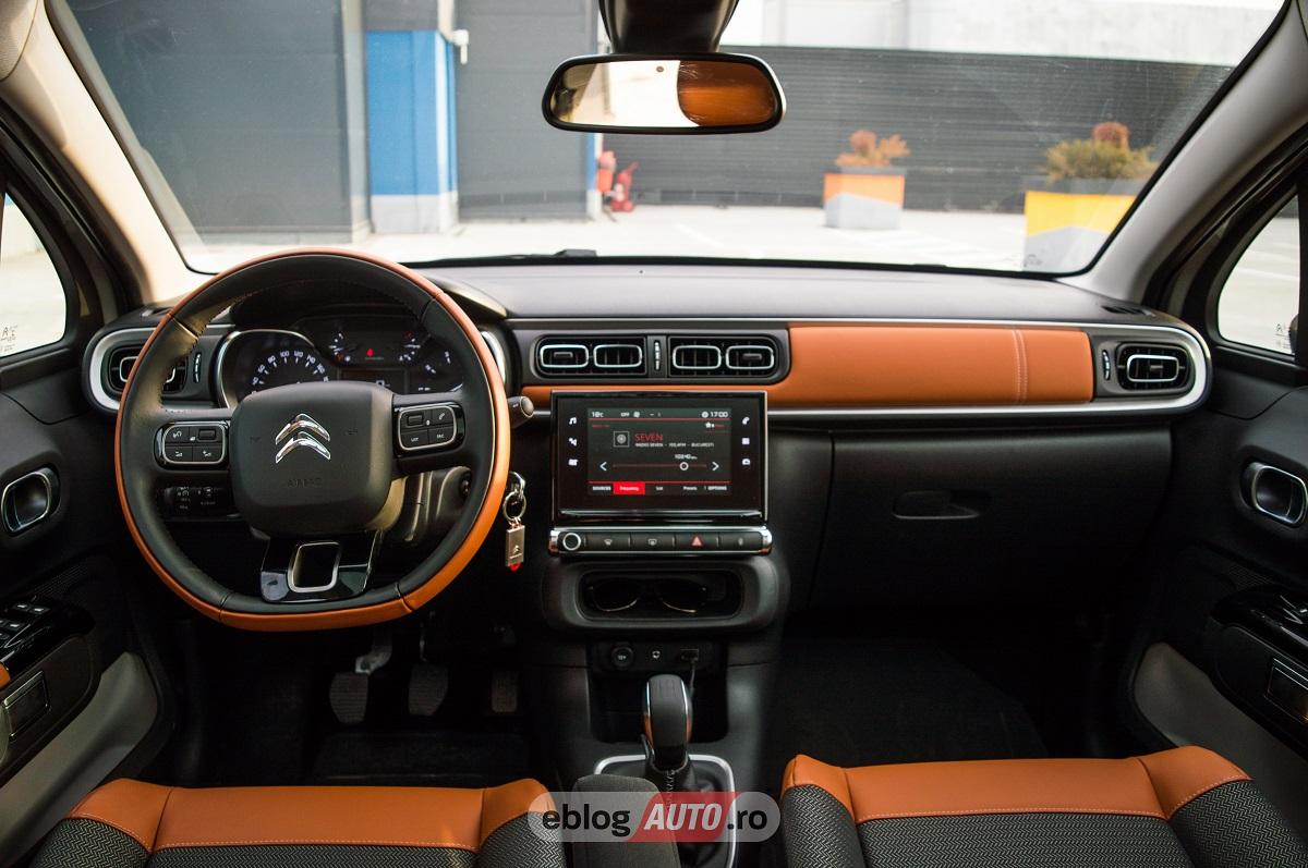 "Test Drive Citroen C3 2012: Design ""sic"""