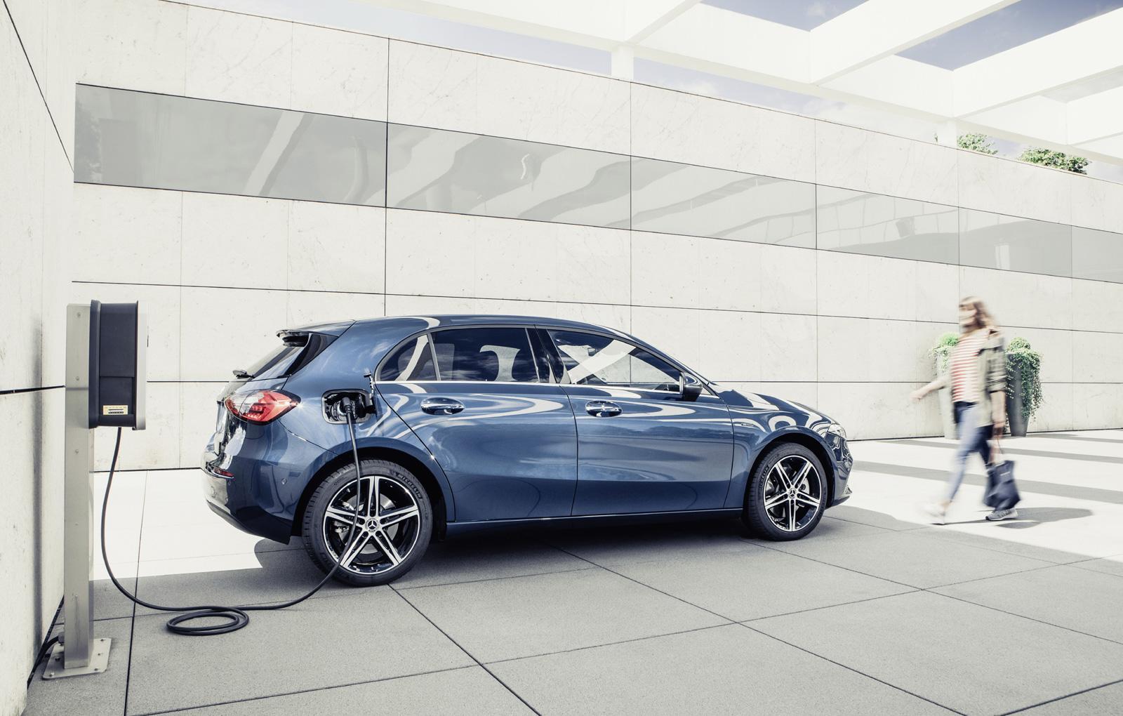 Versiuni plug-in hybrid pentru Mercedes Benz clasa A și B