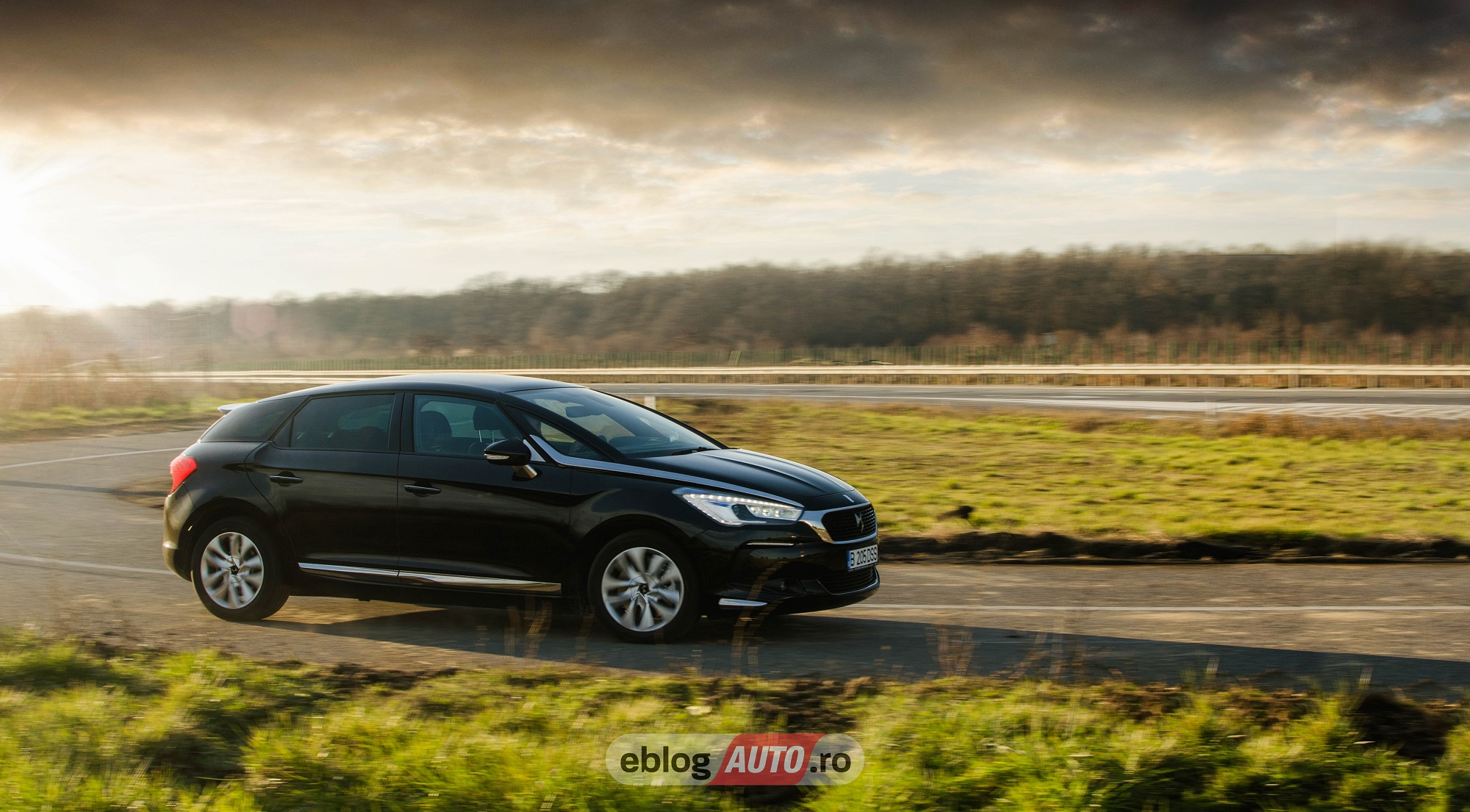 Test Drive DS 5 Hybrid SO CHIC 2018 [VIDEO REVIEW]