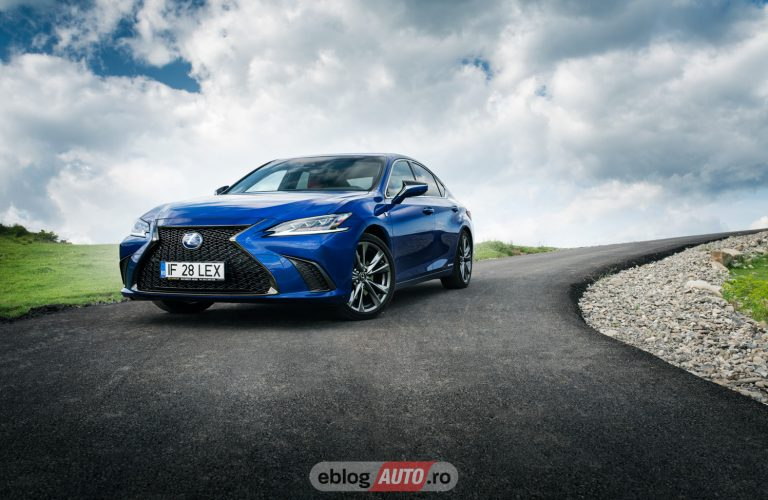 Test Drive Lexus ES 300h 2019 [VIDEO]