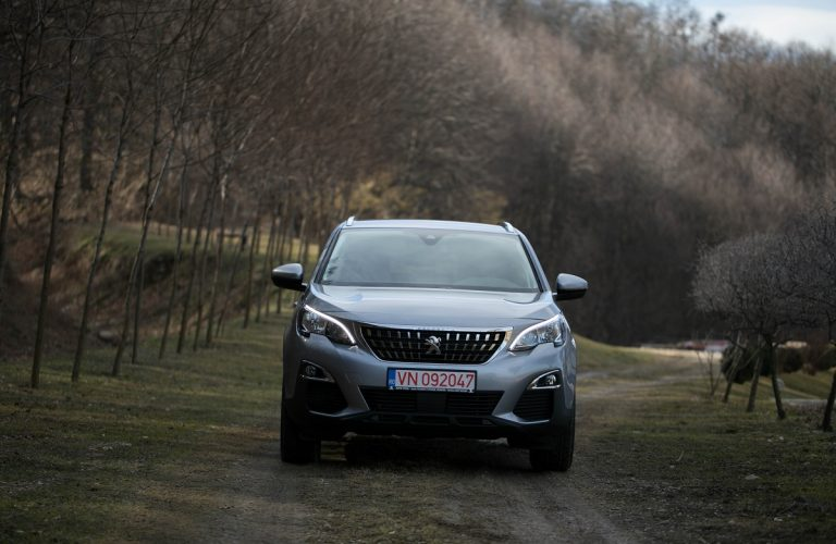 Test Drive Peugeot 3008 1.2 PureTech 130 CP 2017 [TEST VIDEO]