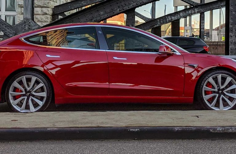 Tesla acum si in Romania