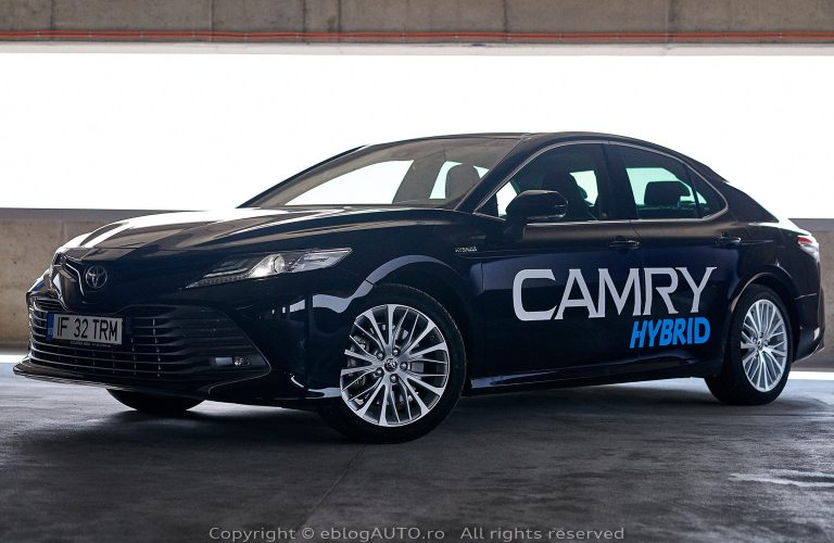 Test Drive Toyota Camry 2.5 Hybrid Dynamic Force 218 CP Dynamic 2019 [VIDEO]