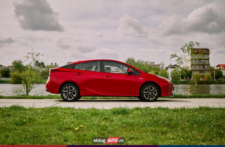 Test Drive Toyota PRIUS 2021