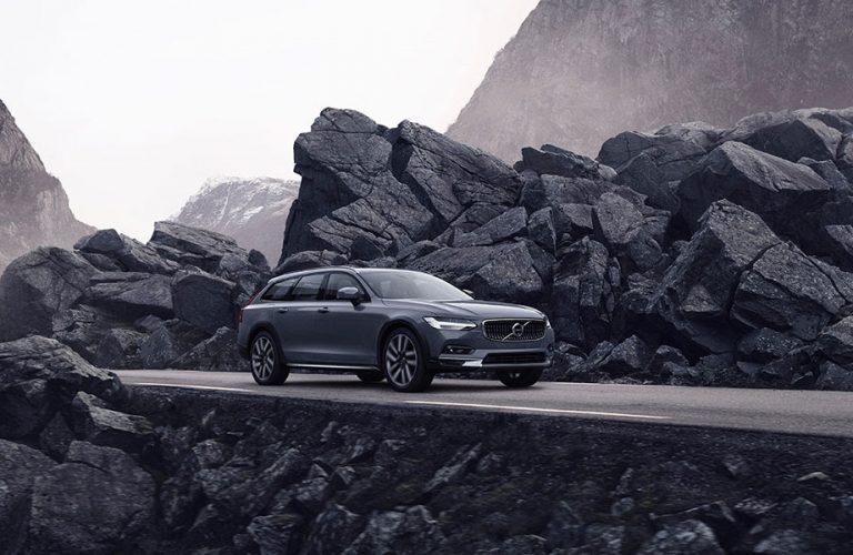 Volvo lansează versiuni noi ale modelelor S90 / V90 și tehnologie mild hybrid pentru întreaga gamă