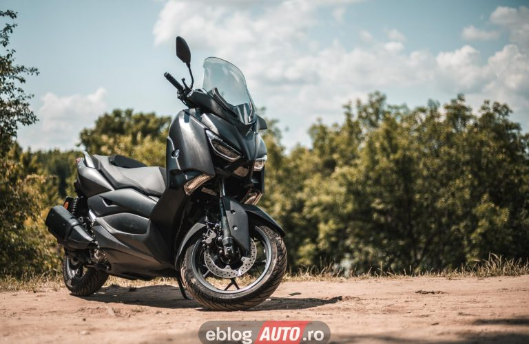 Test Yamaha XMAX 300 scuter 2020